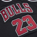 Authentic Jersey '97 Chicago Bulls Ajy4gs18400-cbublck97mjo-2xl NBA (image n°2)