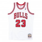 Authentic Jersey '95 Chicago Bulls Ajy4gs18076-cbuwhit95mjo-2xl NBA (image n°6)